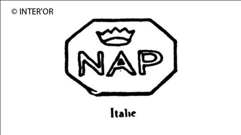 Lettres n. A. P. Et une couronne