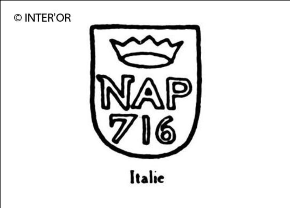 Lettres n. A. P couronne nombre 716