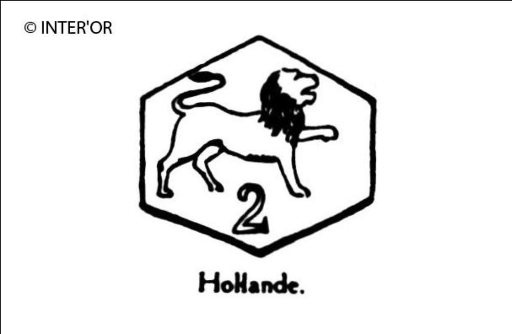 Lion patte gauche levee