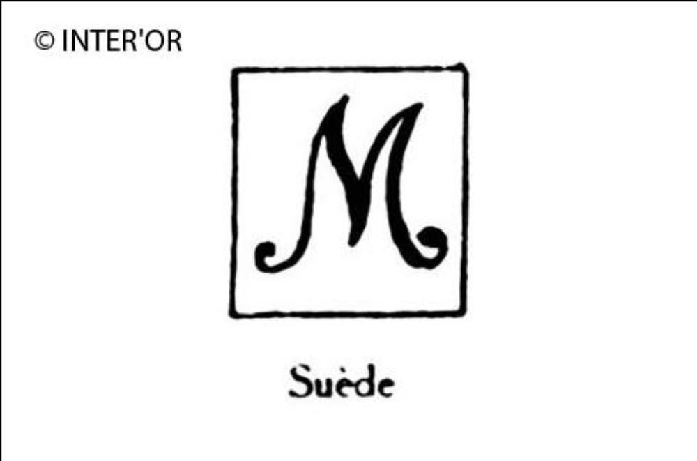 Majuscule m