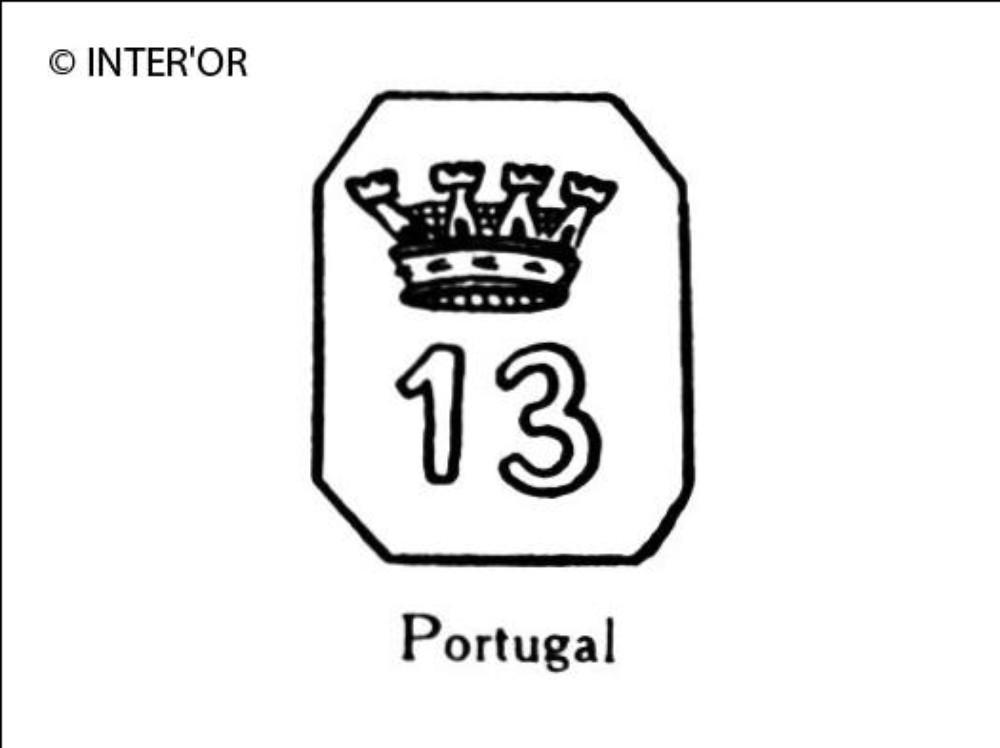 Nombre 13 couronne dans un octogone