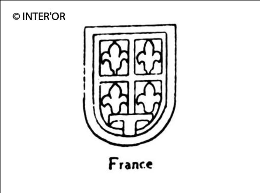 Quatre fleurs de lys dans un ecusson lettre t