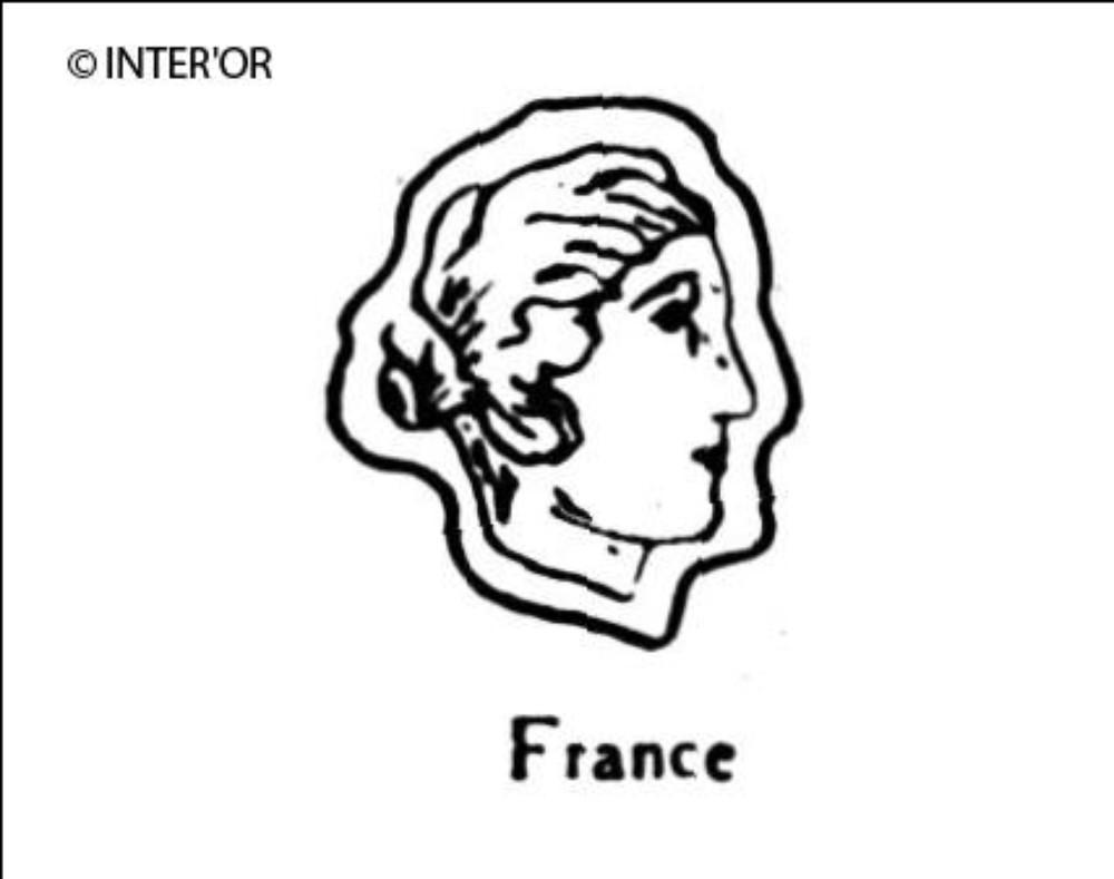 Tete de femme de profil à droite